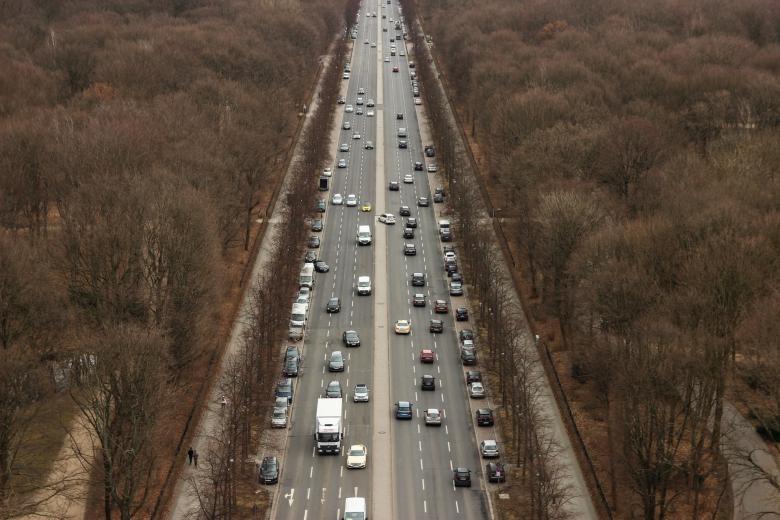 Автомобильный транспорт Германии. Фото: Sebastian Herrmann / Unsplash.com