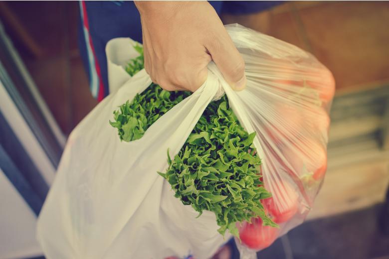 биоразлагаемые пакеты для овощей Фото: GLRL/shutterstock.com