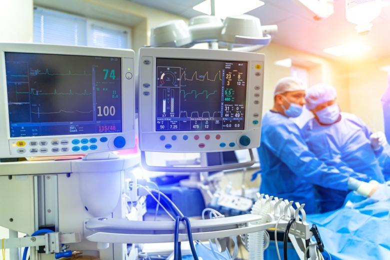 gospitalizaczii-pri-covid-otdelenie-intensivnoj-terapii
