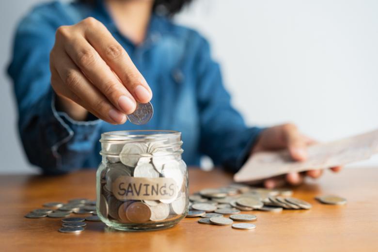 Немцы копят деньги Фото: Автор: Backgroundy / shutterstock.com