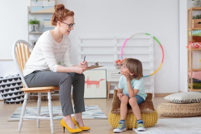 Если у ребёнка замечается некоторая замкнутость, агрессия, плохая успеваемость без видимых причин, то родители обращаются за помощью к специалистам, чтобы решить проблему