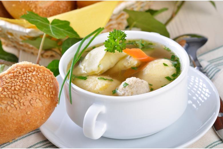 свадебный суп / Foto: Karl Allgaeuer / shutterstock.com