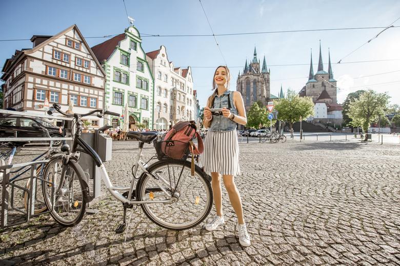 Велосипедное движение Германии Фото: Автор: RossHelen / shutterstock.com