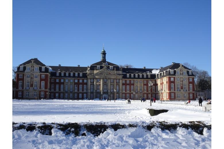 Мюнстерский дворец (Fürstbischöfliches Schloss Münster)