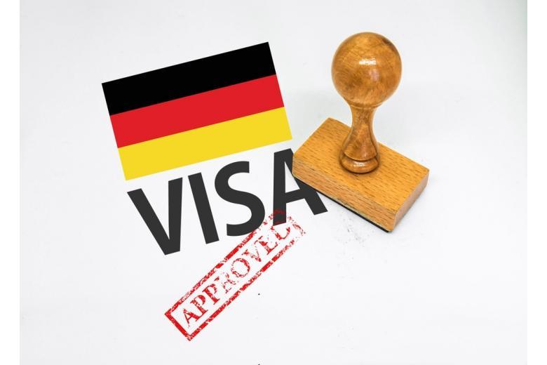 Срок рассмотрения документов, поданных для оформления визы, составляет 4-6 недель, иногда до 8 недель.
