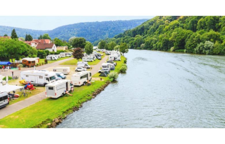 Прокат автодома в Германии. Фото: nnattalli / shutterstock.com