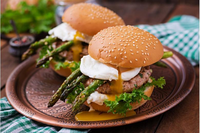 бургер со спаржей