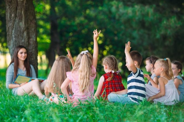 Школа во время COVID, урок на свежем воздухе