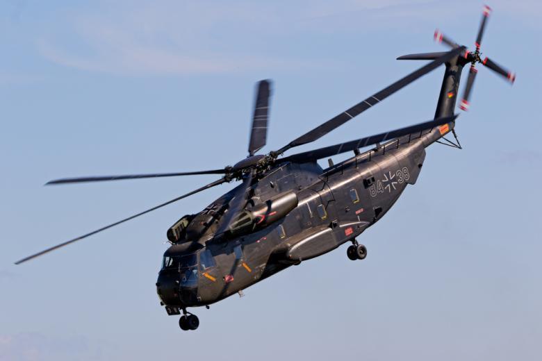 Бундесвер вертолёты Мали / VanderWolf Images / Shutterstock.com