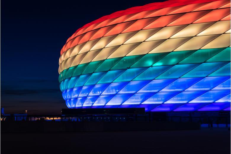 УЕФА подсветку «Альянц Арены» / Фото: anahtiris / Shutterstock.com