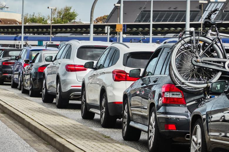 количество автомобилей в Германии / Фото: geogif / shutterstock.com