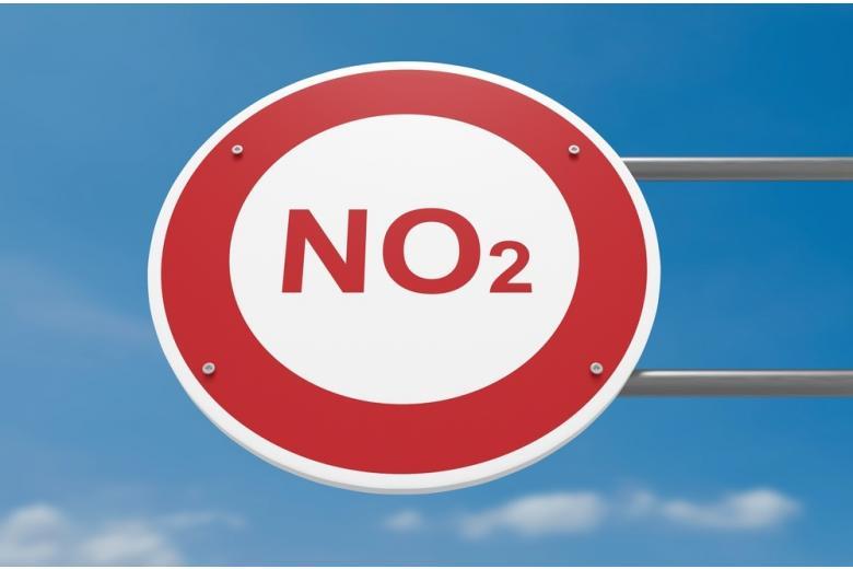 Германия загрязняет воздух: знак с надписью NO2