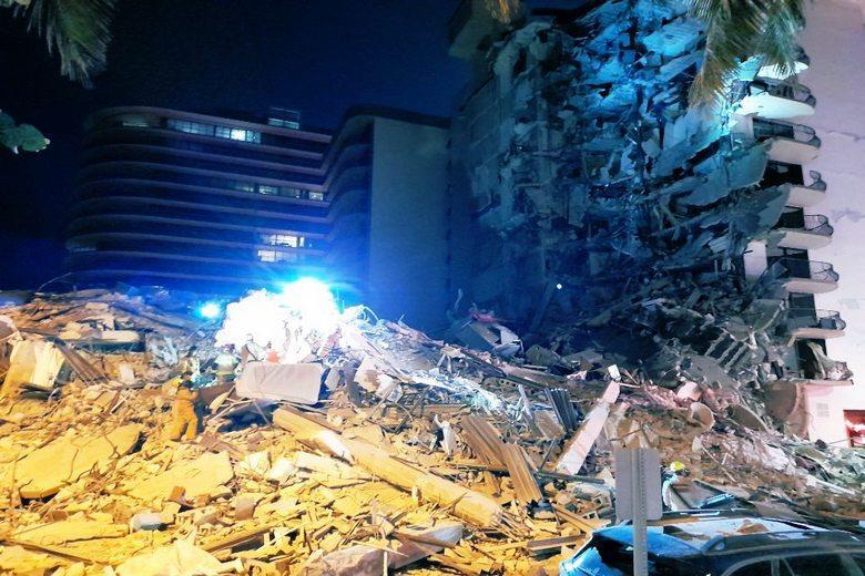 Трагедия в Майями Фото: @IntelPointAlert / https://pbs.twimg.com/media/E4oRZYeWUAUURZQ?format=jpg&name=medium