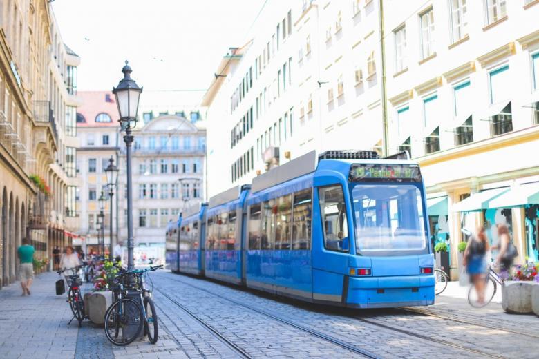 nemeckij-profsoyuz-razvitie-transporta / Фото: Onjira Leibe / shutterstock.com