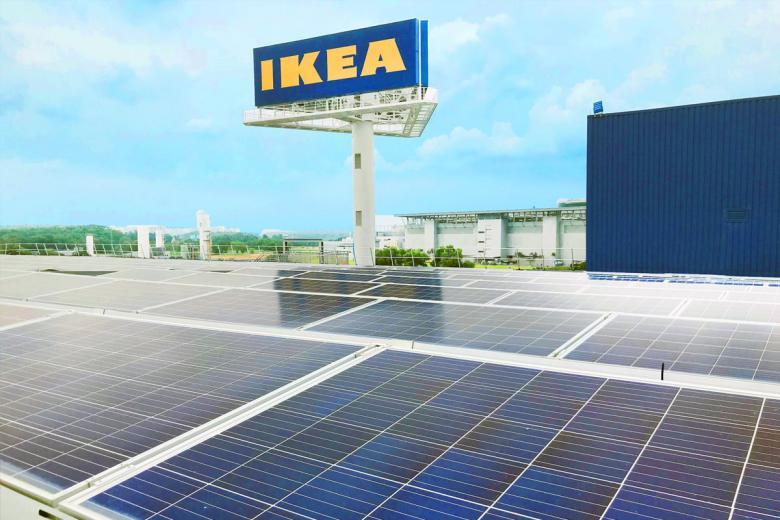 Эксперимент с солнечными панелями в Ikea. Фото: sunwindenergy.com