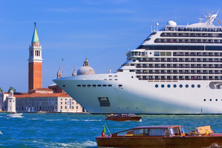 круизные лайнеры в Венеции / Фото: Rasto SK / Shutterstock.com