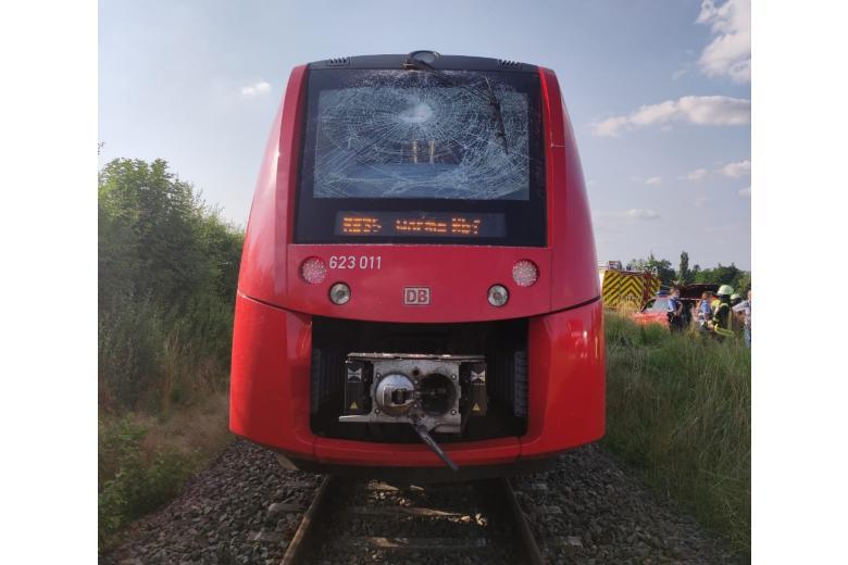 поезд трактор возле Валлертхайма / Фото: поезд трактор возле Валлертхайма