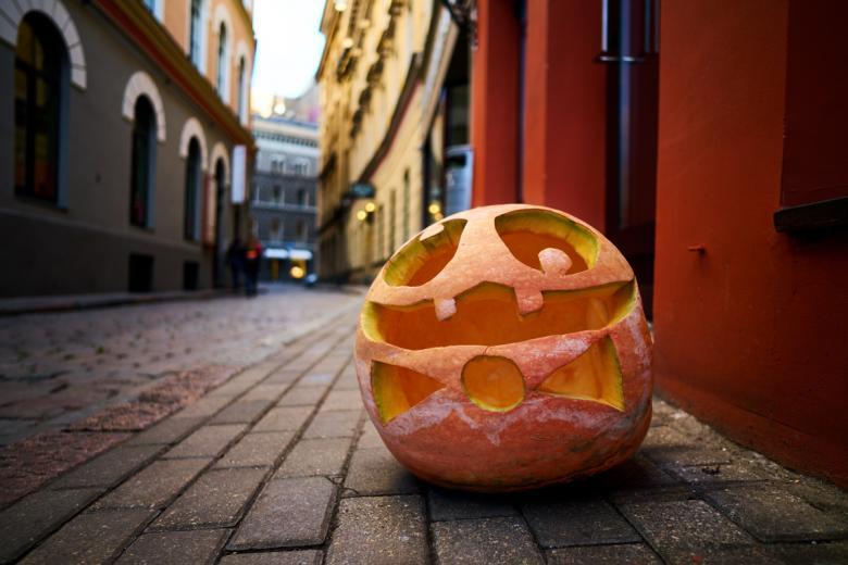 Хэллоуин. Фото: OlegRi / shutterstock.com