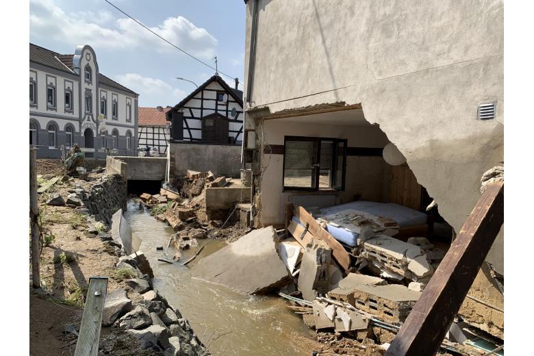 Последствия разрушительного потопа вГермании. Фоторепортаж газеты «Переселенческий Вестник» фото 6