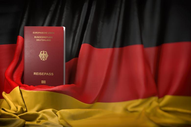 Как получить гражданство Германии гражданину России. Фото: Maxx-Studio / shutterstock.com