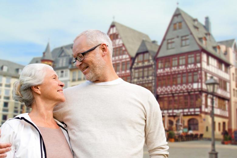 Пенсия по старости и инвалидности в Германии. Фото: Syda Productions / shutterstock.com