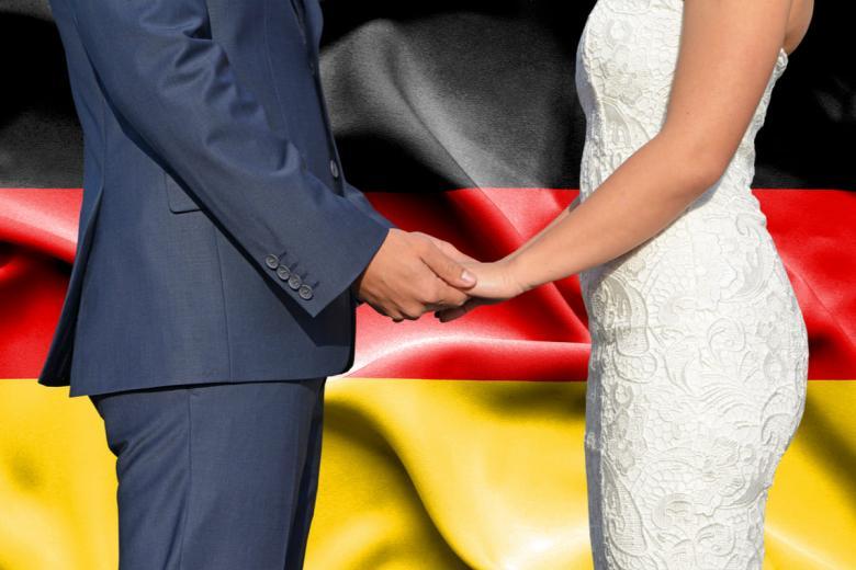Регистрация брака с гражданином Германии. Фото: Aleksandar Mijatovic / shutterstock.com