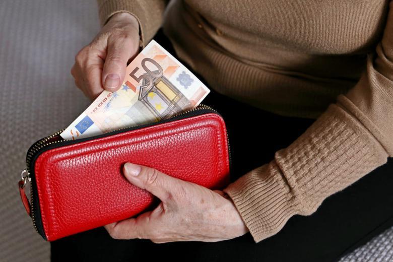 Средний размер пенсии в Германии при наличии трудового стажа в 45 лет составляет 1250 евро в месяц. Фото:   Oleg Elkov / shutterstock.com