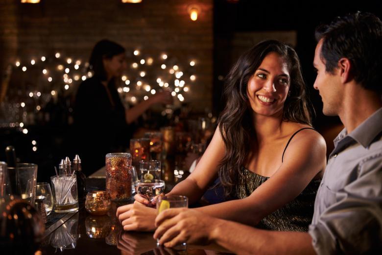 В Германии все большую популярность приобретают вечеринки быстрых свиданий – Speed-Dating. Фото: Monkey Business Images / shutterstock.com