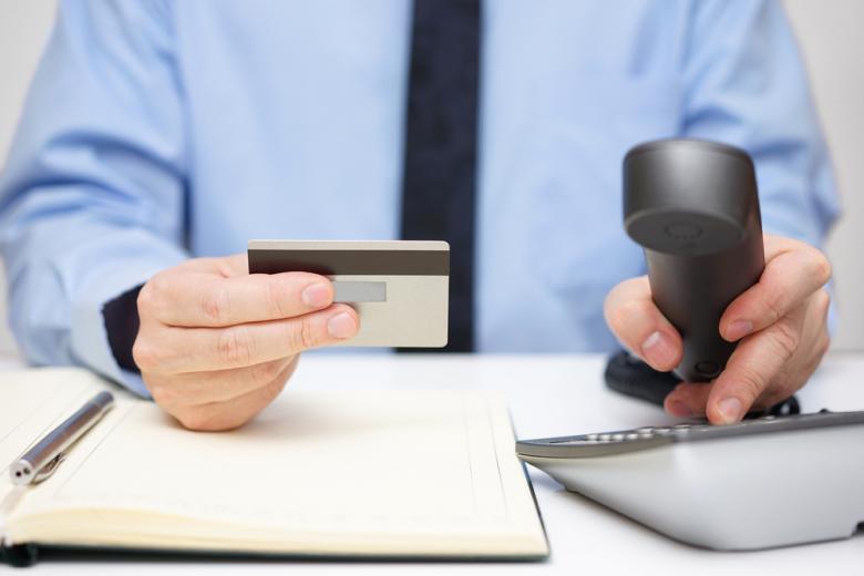 Если заданная вами операция не прошла, следует незамедлительно уточнить у банка причину, но будьте готовы посетить отделение для решения проблем. Фото: Bacho / shutterstock.com