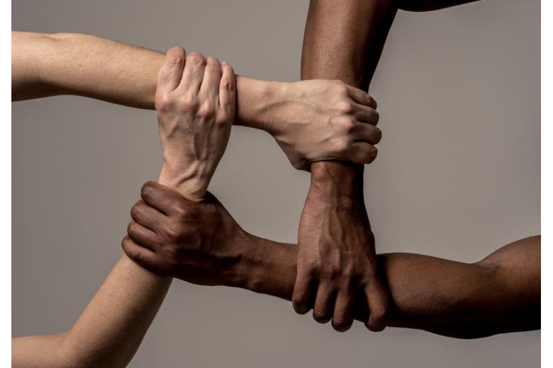 Гуманитарная иммиграция. Фото: Sam Wordley / shutterstock.com