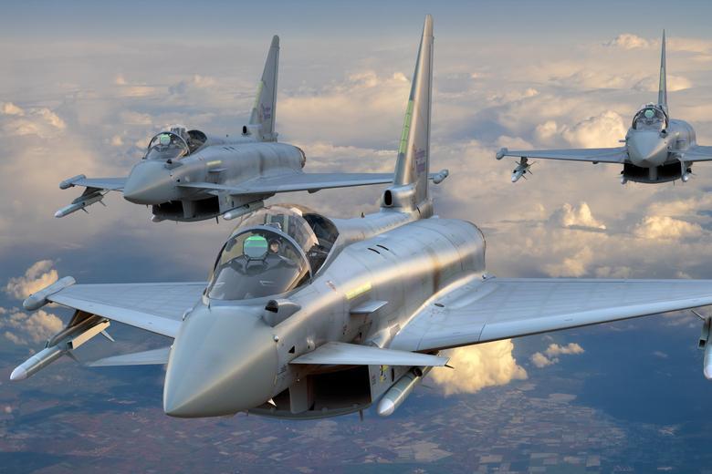 Немецкие истребители Eurofighter Автор: Mike Mareen / shutterstock.com