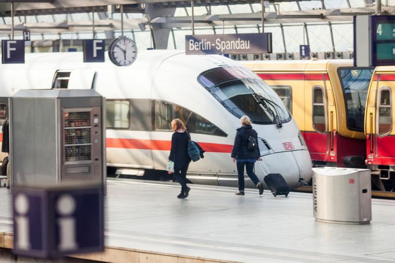 поезда в Берлине, в районе Шпандау