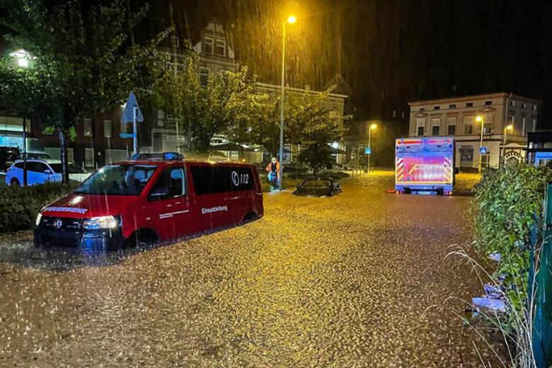 Потоп и наводнение в Хагене. Фото: Dieter Menne / dpa