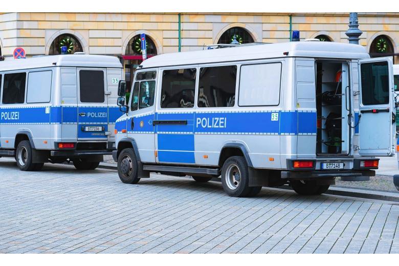 Спецназ в школе Германии Фото:Roman Babakin/shutterstock.com
