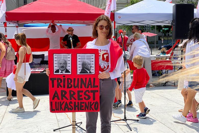 Один из плакатов участников встречи. Фото: Aussiedlerbote.de