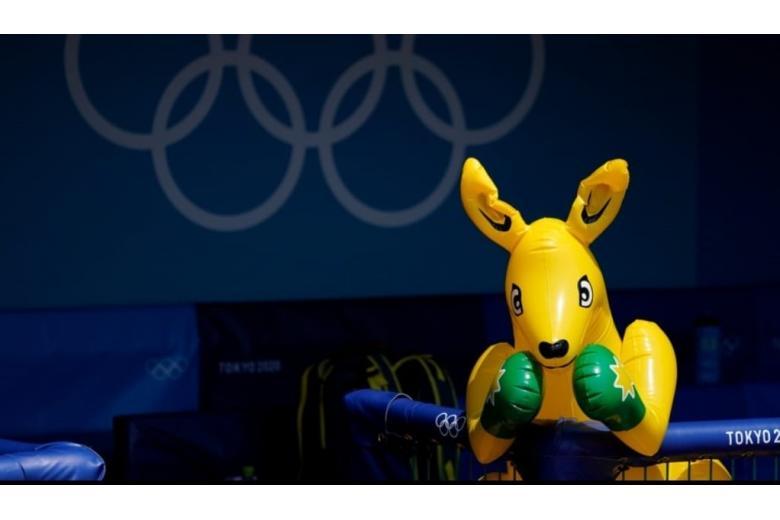 Дебош в Олимпийской деревне / Фото: Express Sports / twitter.com