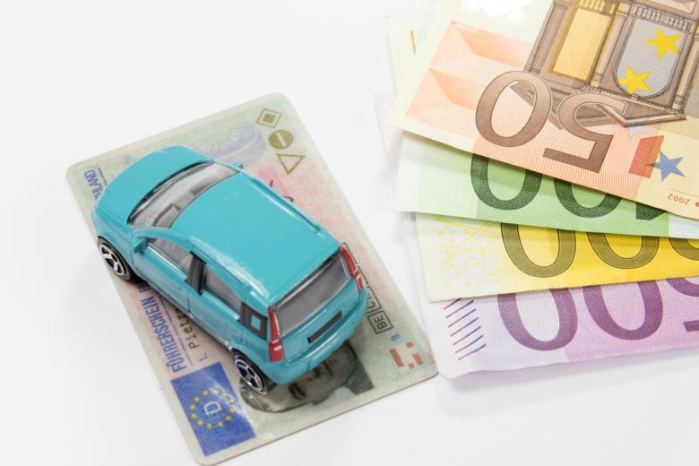 Средняя стоимость получения прав в Германии составляет примерно 2000 евро. Фото: Bartolomiej Pietrzyk / shutterstock.com