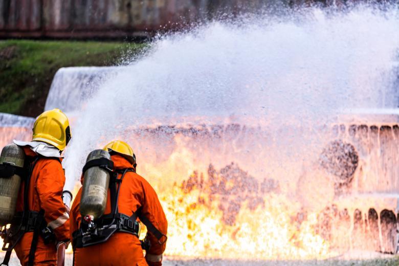 в Хюрте взорвался авто Фото: vichie81/shutterstock.comмобиль