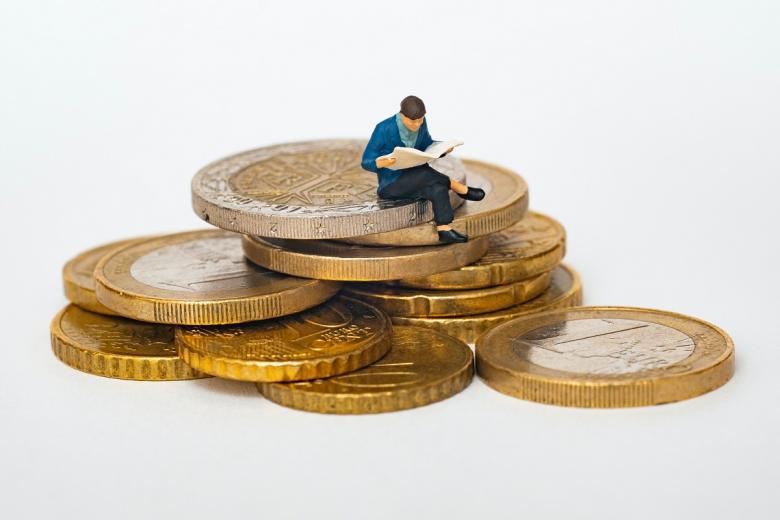 Все ли упирается в деньги? Фото: mathieu stern / unsplash.com