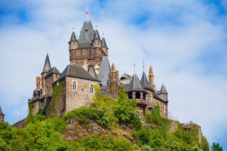 Имперский замок в Кохеме (нем. Reichsburg Cochem). Фото: Sergey Novikov / shutterstock.com