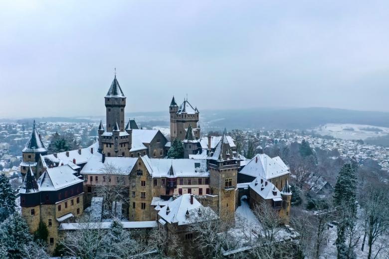 Браунфельс (нем. Schloss Braunfels). Фото: Video Media Studio Europe / shutterstock.com
