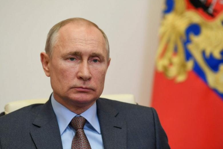 Путин уходит на самоизоляцию. Фото: Yevhen Prozhyrko/shutterstock.com