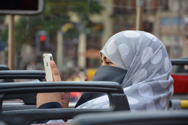 В исламе только девушки: в Германии радикалы активно вербуют школьниц и студенток фото 1