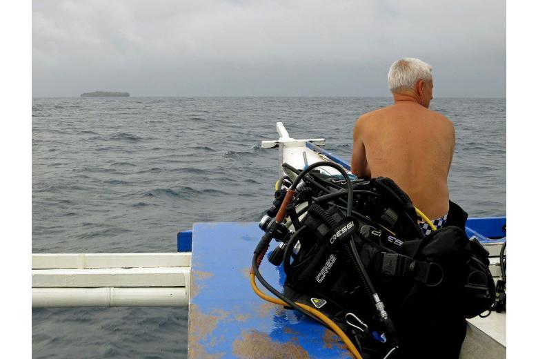 70-летний «человек-амфибия» нападает на катера фото 1