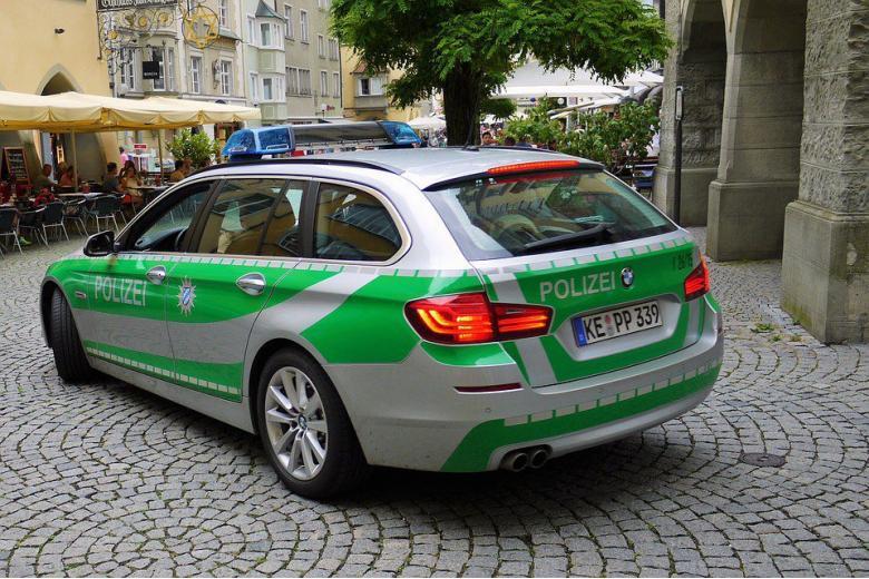 Берлинским полицейским выдадут электрошоковые пистолеты фото 1
