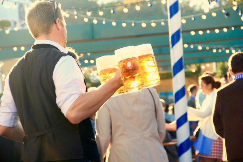 Лишь бы выпить: итальянец подделал паспорт ради Октоберфеста фото 1