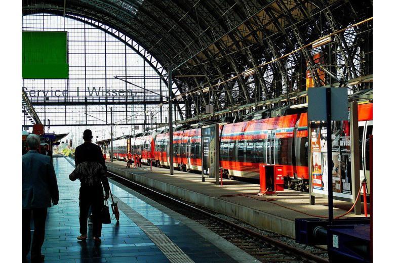 Железнодорожники против психов: Deutsche Bahn вооружает сотрудников фото 1