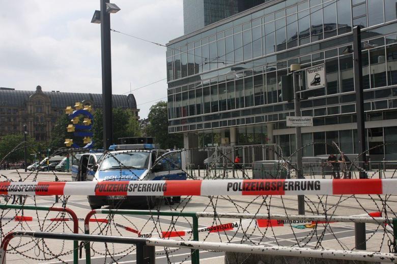 немецкая полиция проверяет информацию относительно экстремистов фото
