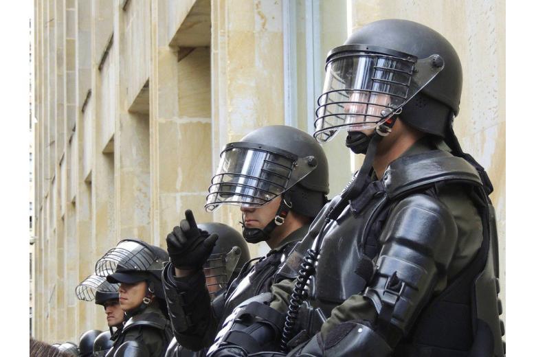 Немецкая полиция провела первые рейды против исламистов фото 1