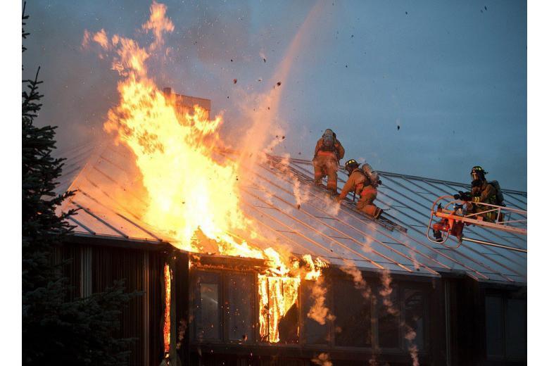 В Германии подожгли дом министра юстиции фото 1